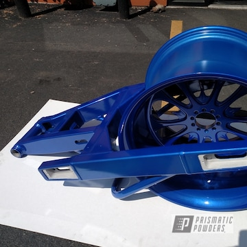 Powder Coated Blue Motorcycle Swing Arm And Rear Wheel