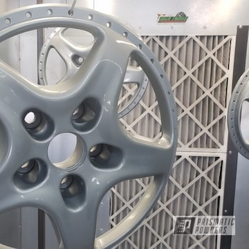 Powder Coated Silver 18 Inch Aston Martin Wheels