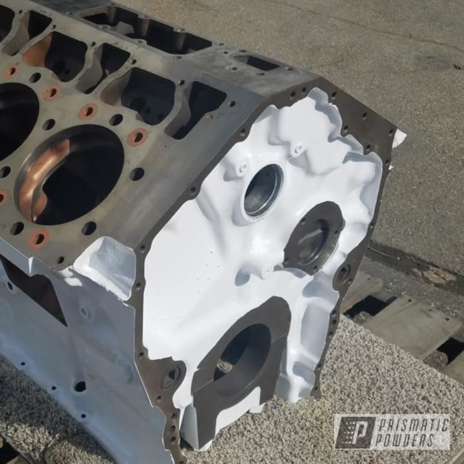 Powder Coating: Semi Engine Block,Engine,Dew White HSS-0500,Caterpillar 3408