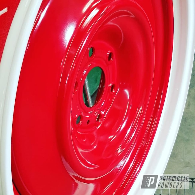 "Powder Coating: Wheels,Automotive,Custom Rims,DAVIS RED PSB-4787,22"" Wheels,22"",Cloud White PSS-0408"
