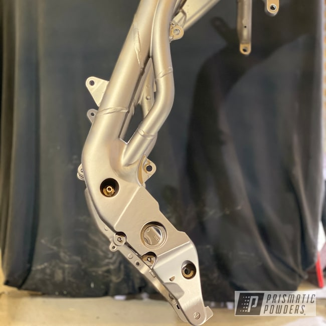 Powder Coating: Automotive,Motorcycle Parts,Bronze Chrome PMB-4124,Motorcyle Frame,Triumph Frame,Motorcycles,Casper Clear PPS-4005,Triumph Motorcycle,Daytona,Triumph