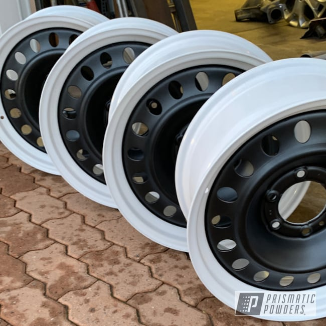 Powder Coating: Wheels,Automotive,BLACK JACK USS-1522,Toyota,Cloud White PSS-0408,Two Toned