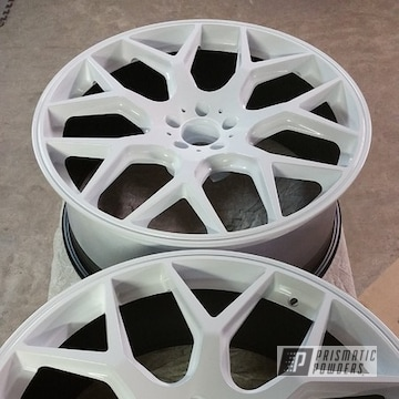 Two Toned Wheels In Polar White And Black Jack