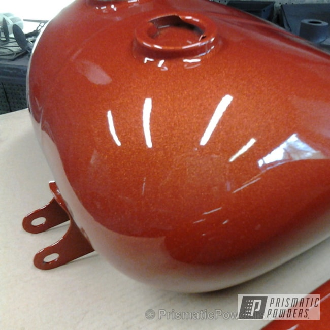 Powder Coating: Illusion Orange Cherry PMB-5509,Clear Vision PPS-2974,tank and fenders,motorcycle,Motorcycles