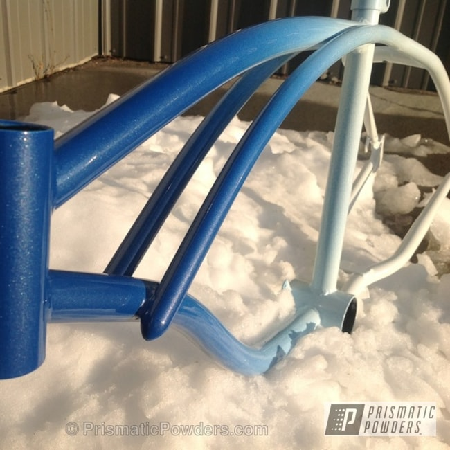 Powder Coating: Custom,Schwinn Bike frame,Bicycles,Polar White PSS-5053,powder coating,Blue and white,powder coated,Prismatic Powders,Cosmic Blue PMB-1803