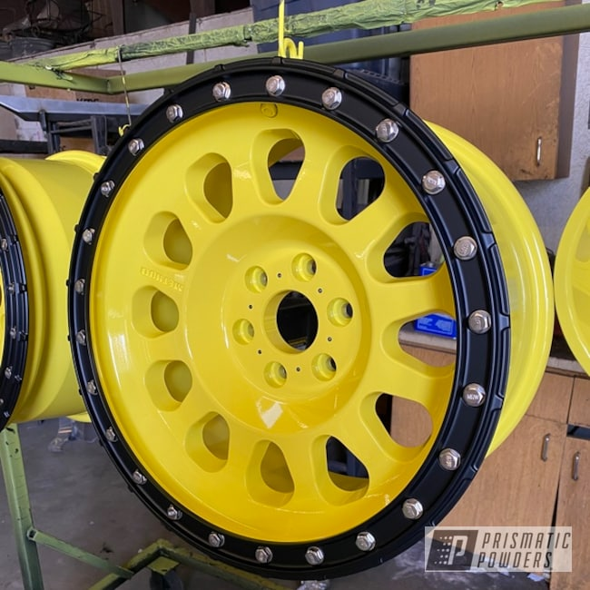 Powder Coated Yellow Custom Set Of Alloy Wheels