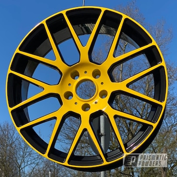 Powder Coated Yellow And Black Two Toned 19 Inch Wheels
