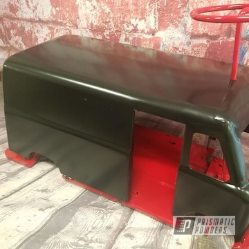 Powder Coated Vintage Toy Truck In Hss-1336 And Ral 3002