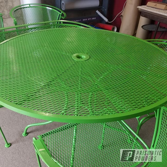 Powder Coating: Metal Chairs,Patio Chairs,Patio Furniture,RAL 6018 Yellow Green,Outdoor Furniture