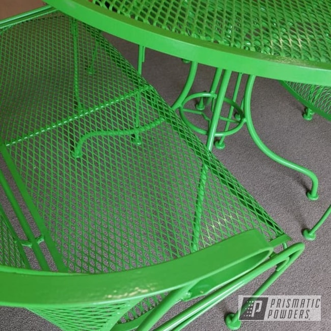 Powder Coated Refinished Patio Furniture In Ral 6018
