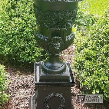 Powder Coated Vintage Planter In Uss-1522