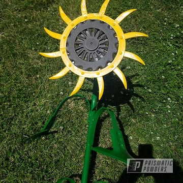 Powder Coated Green And Yellow Sunflower Yard Art