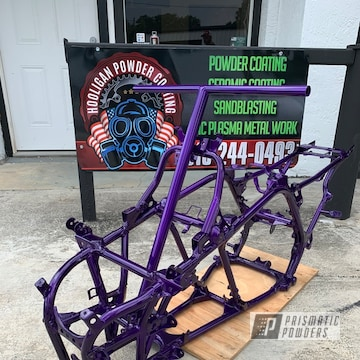 Powder Coated Yamaha Banshee Frame In Psb-4629 And Pps-2974