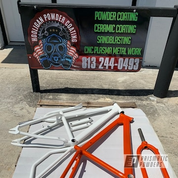 Powder Coated Bike Frame And Fork In Pms-6964 And Pps-2974