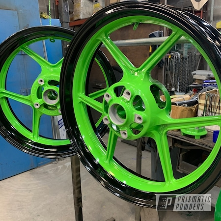 Powder Coating: Wheels,Automotive,Clear Vision PPS-2974,Motorcycle Parts,ZX10R,Ink Black PSS-0106,Motorcycle Wheels,Motorcycles,Kiwi Green PSS-5666