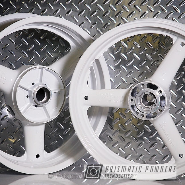 Powder Coating: Wheels,Clear Vision PPS-2974,Cloud White PSS-0408,Clear Top Coat,Motorcycles,Suzuki Motorcycle Wheels