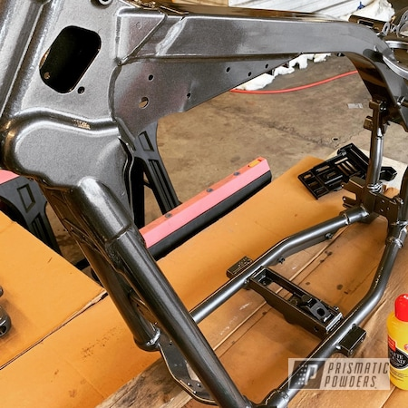 Powder Coating: Automotive,Harley Davidson,Clear Vision PPS-2974,Bike Frame,GLOSS BLACK USS-2603,Kingsport Grey PMB-5027,Motorcycles,Frame