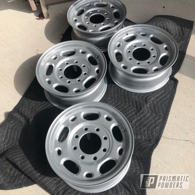 "Powder Coating: Wheels,Automotive,Clear Vision PPS-2974,18"",Heavy Silver PMS-0517,Aluminum,18"" Aluminum Rims"