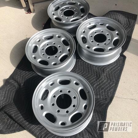 "Powder Coating: Wheels,Automotive,Clear Vision PPS-2974,18"",Heavy Silver PMS-0517,Aluminum,18"" Aluminum Rims"