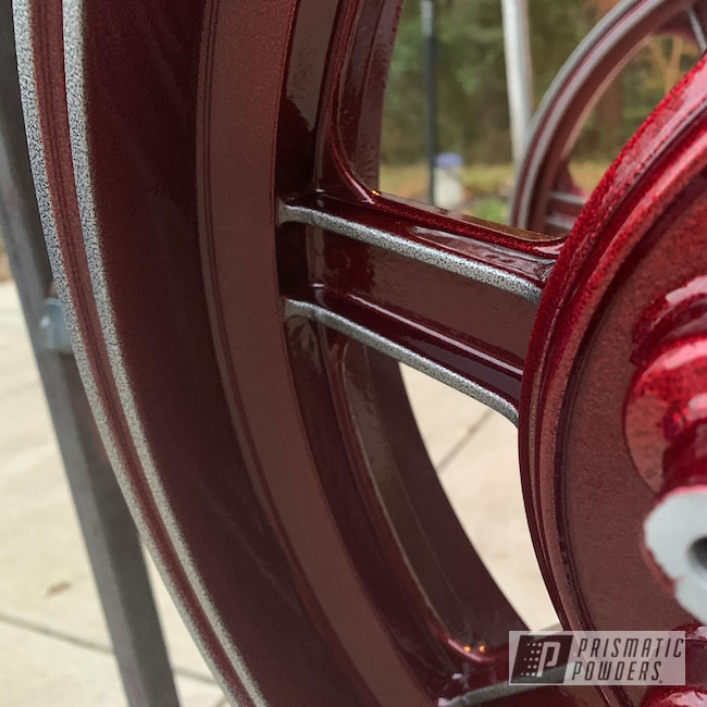 Powder Coating: DAZZLING RED UPB-1453,Alloy Wheels,Custom Motorcycle Wheels,GL1000,Motorcycle Parts,Accessories,2 Stage Application,Vibrant Silver Vein PVB-5825,Honda,Lester,Motorcycles