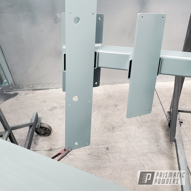 Powder Coating: Zinc Primer ESS-10171,Stairs,BLACK JACK USS-1522,Stringer