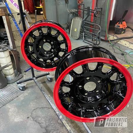 "Powder Coating: Automotive,Town Car,Ford Wheels,Two Toned Wheels,17"" Aluminum Rims,GLOSS BLACK USS-2603,Aluminum,Astatic Red PSS-1738,Five Lug Ford Wheels,Lincoln Town Car"