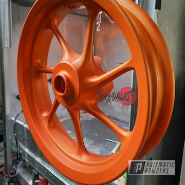 Powder Coated Motorcycle Wheel In Pps-4005 And Pms-4620