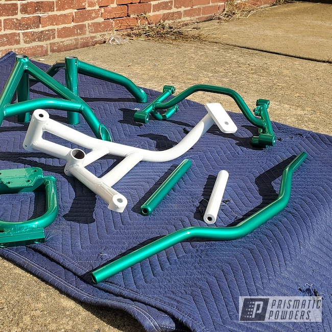 Powder Coating: Motorcycle Parts,RAL 9016 Traffic White,Motorcycles,Transparent Green PPS-5161
