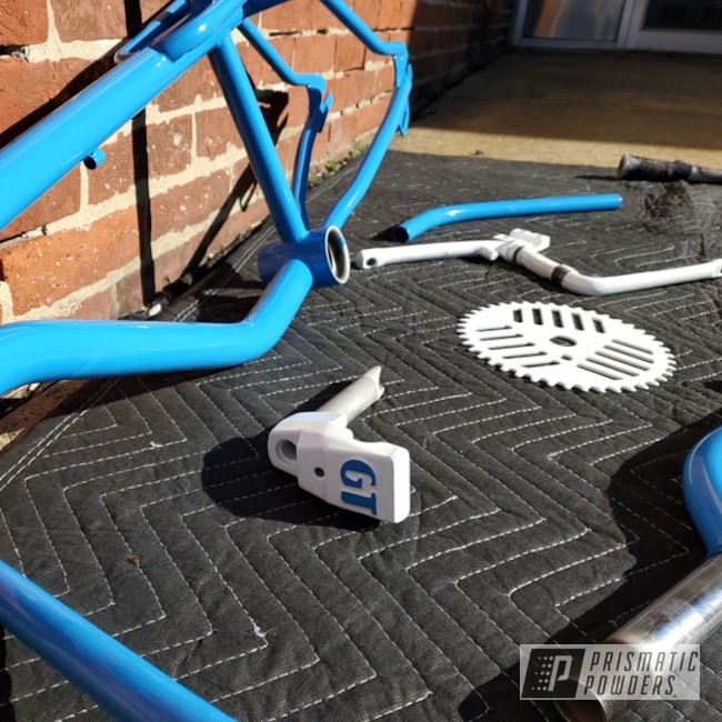 Powder Coated Gt Dyno Bike Parts In Ral 5012 And Ral 9016