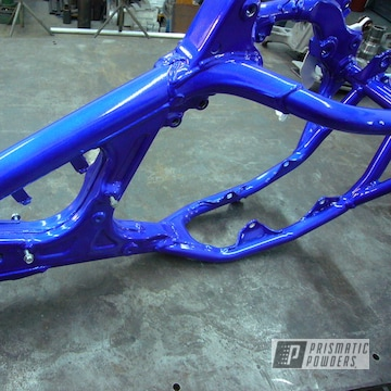 Powder Coated Yamaha Yz Frame In Pms-0517 And Ups-2502