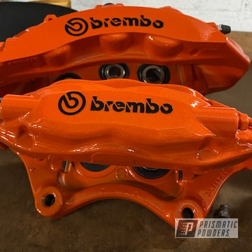 Powder Coated Brembo Brake Calipers In Pps-2974 And Pms-6964