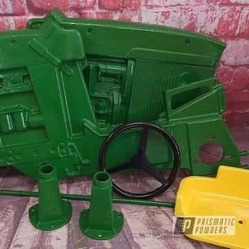 Powder Coated Pedal Tractor In Pss-4517 And Ral 1018