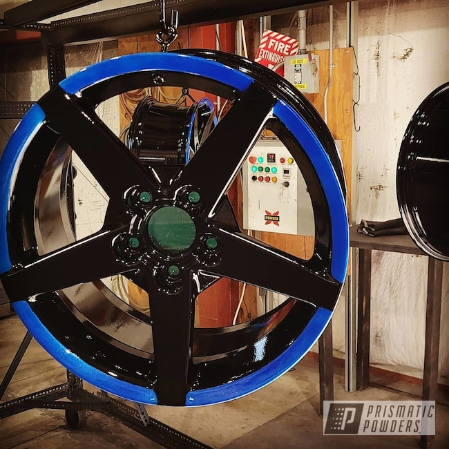 "Powder Coating: Wheels,Clear Vision PPS-2974,Rims,17"" Aluminum Rims,GLOSS BLACK USS-2603,Aluminum,Illusion Smurf PMB-6909"