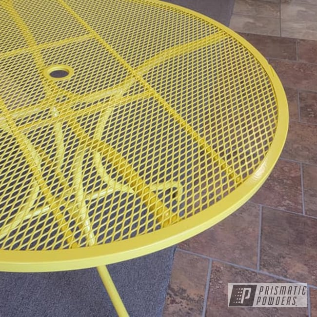 Powder Coating: Patio Table,Patio Furniture,Yellow,Table,Outdoor Furniture,RAL 1018 ZincYellow