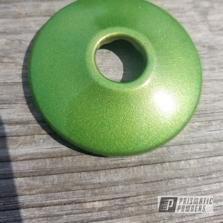 Powder Coating: Goldtastic PMB-6625,Two Stage Application,Rancher Green PPB-6935,Miscellaneous,Layered Colors,Swatch