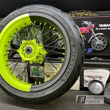 Powder Coated Supermoto Wheels In Uss-1522 And Pss-1104