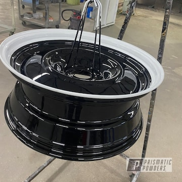Powder Coated Two Tone Wheels In Pps-2974 And Uss-2603