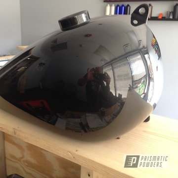Custom Motorcycle Gas Tank Coated Using 1-coat Whiffle Dust And Clear Vision