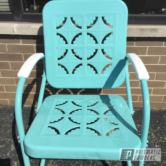 Powder Coating: Patio Chair,Gloss White PSS-5690,RAL 6027 Light Green