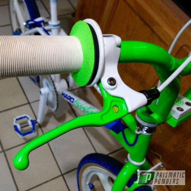 Powder Coating: Haro Sport,Bright Green PSB-5945,Polar White PSS-5053