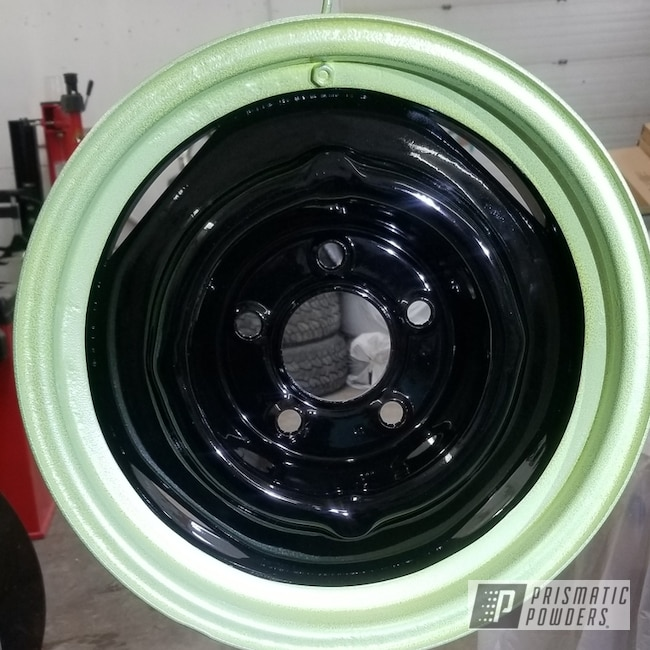 Powder Coating: Custom Rims,Ink Black PSS-0106,Yellow Glow/Silver PVB-8114