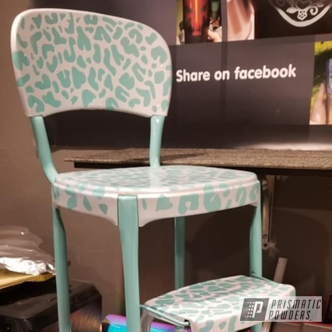 Vintage Chair/stool Powder Coated In White/silver Vein And Sea Foam Green