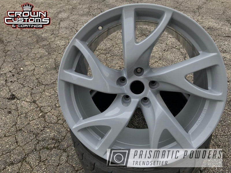 Nissan 370Z wheels refinished in Willow Grey