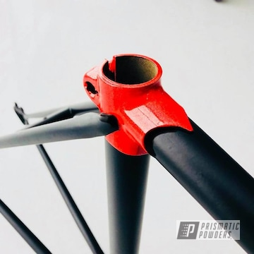 1975 Fuji Japanese Bike Frame In Matt Black And Cosmic Red
