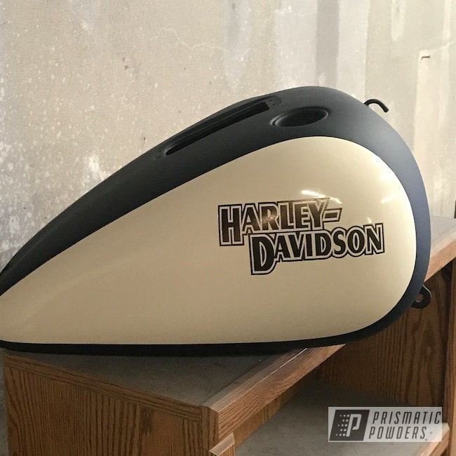 Powder Coating: Matte Black PSS-4455,Harley Davidson,Fuel tanks,Bronze Chrome PMB-4124,Motorcycles,Two Tone,Casper Clear PPS-4005,Vanilla Ice Cream PSS-2725