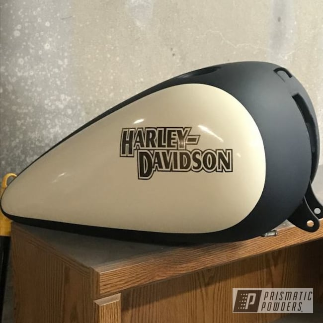 Powder Coating: Matt Black PSS-4455,Harley Davidson,Fuel tanks,Bronze Chrome PMB-4124,Motorcycles,Two Tone,Casper Clear PPS-4005,Vanilla Ice Cream PSS-2725
