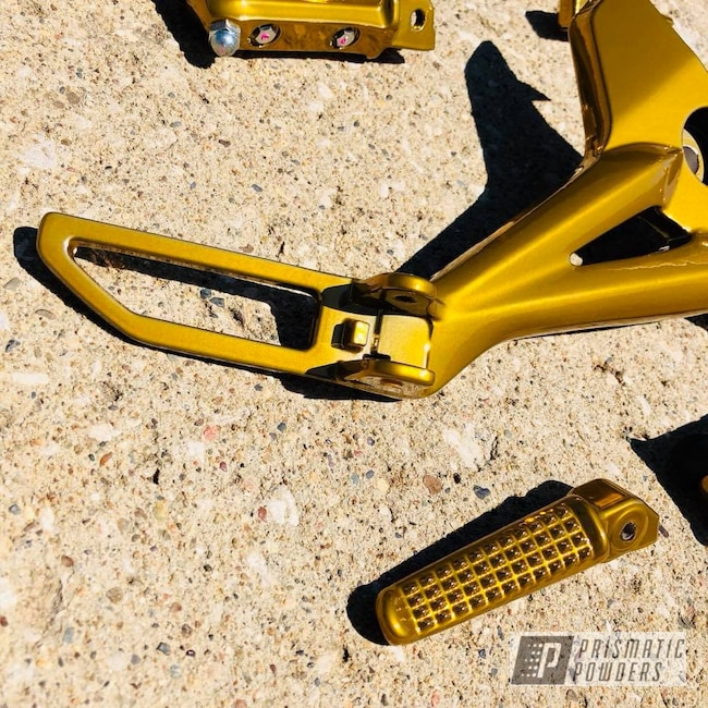 Powder Coating: Custom,SUPER CHROME USS-4482,Two Stage Application,Motorcycle Parts,Honda,GROM,Brassy Gold PPS-6530,Motorcycles,Rearsets,Gold