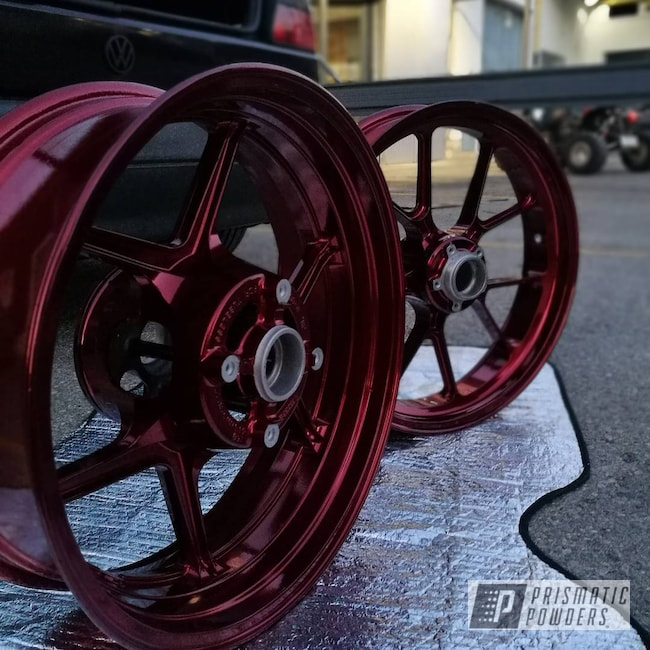Powder Coating: ZX6R,Kawasaki,Clear Vision PPS-2974,Custom Motorcycle Wheels,LOLLYPOP RED UPS-1506,Stunt Rider,bike,Illusion Red PMS-4515,Motorcycles,Stunt