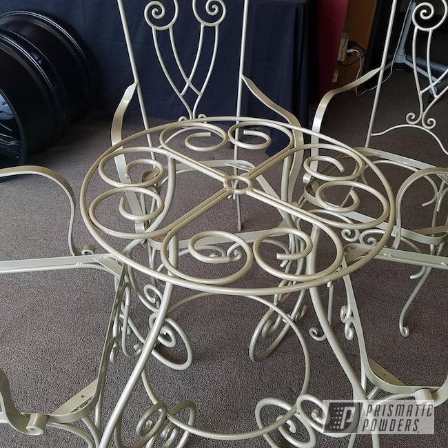 Powder Coating: Custom Furniture,Decorative Furniture,Table Set,ROMAN GOLD UMB-1638