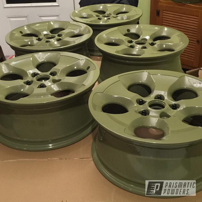 Powder Coating: Color Match,Automotive,Custom Wheels,Powder Coated Jeep Wheels,Jeep,Jeep Wheels,Arney Green PSB-6858,18inch